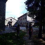 Il rifugio arrivando dal fiume Rovigo