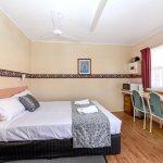 Budget Room (1 Queen Bed)