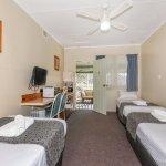 Tripple Room ( 3 Single Beds)