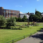 Walking distance - Town Centre gardens ideal for children's play or just to chill in the sun