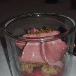 LA FRAISE, fromage blanc et Sumac, meringue fine Gaspacho et sorbet fraise