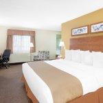 Photo de Baymont Inn & Suites Port Huron