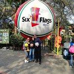 Si juegas, ganas!!!, Six Flags