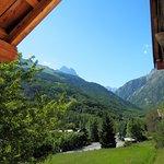 Vue sur le mont Pelvoux depuis le balcon de la chambre