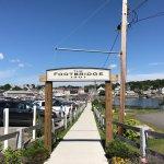 Foto de Cap'n Fish's Waterfront Inn