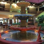 Foto de Embassy Suites by Hilton Hotel Kansas City - Plaza