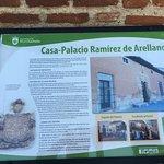 Ficha del Ayuntamiento a la entrada del Restaurante