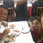 Eu e minha familia no restaurante