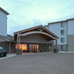 Ramada Williston offer free airport shuttle with advance reservations.