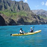 Kayaking along the Na Pali Coast