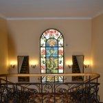 Trappenhal met glas in lood raam