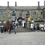 The household watch James 1 leave on horseback