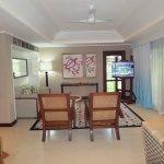 Senior Suite #26 lounge