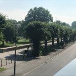 Toller Blick von der Frühstücksterrasse im ersten OG entlang der Rheinallee
