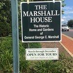 Roadside marker for The Marshall House.