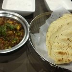 Matar Mushroom with Indian Breads