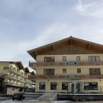 The Schattbergbahn in Saalbach is only 300m away from Hotel Bärenbachhof.