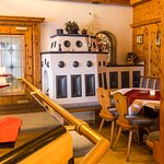 After your return from the slopes you allow yourself a glas in our cozy Austrian bar.