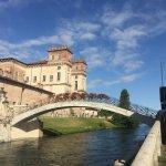 ponte con vista sul castello