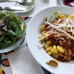 Thai Bolognese mit Blattsalat - megalecker