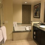 Grand Waikikian by Hilton Grand Vacations-bild