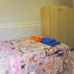 letto + piccolo armadio