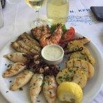 Photo de Akrogiali Taverna