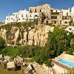 Hotel Seggio on right