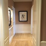 Stunning, spacious entrance in Suite Donatello