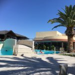 Sandy Beach Hotel & Family Suites Foto