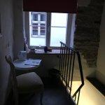 Photo de Meriton Old Town Garden Hotel