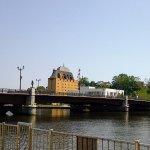 橋と花時計