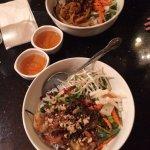 Foto de green leaf restaurant vietnamese