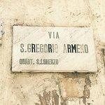 Photo de Via San Gregorio Armeno