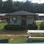Photo de Perry's Motel & Cottages