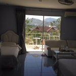 Photo de Chalong Beach Hotel and Spa