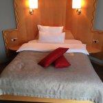 Photo de Hotel Gude