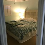 Wonderful stay, great for families and relaxing. Comfortable clean rooms. Washer and dryer in th