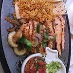 Chicken fajita lunch plate.
