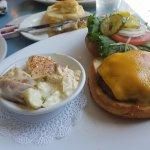 Decent cheesburger with excellent potato salad.
