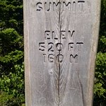 The Beehive Summit trail marker