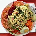 Salada com mexidinho de tofu