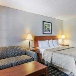 Quality Inn Waynesboro resmi