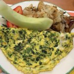 Spinach and cheddar omelete