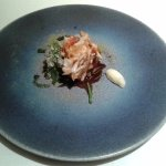 Salmonete de roca y Mediterráneo (espuma de alioli, alga frita y esferificada)