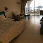 Le coté lit avec super largeur, en dernier plan la terrasse