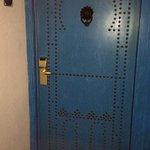 La porte d'entrée de ma chambre...