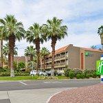 Photo de Holiday Inn Express Palm Desert / Rancho Mirage