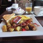 Breakfast does look good