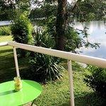 Un cadre agréable , chambre vu sur l'étang reposent et relaxent. ( chambre 5 )